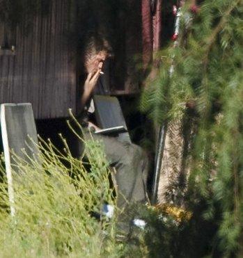 Robert Pattinson Pause cigarette pour le chéri de Kristen Stewart Photos