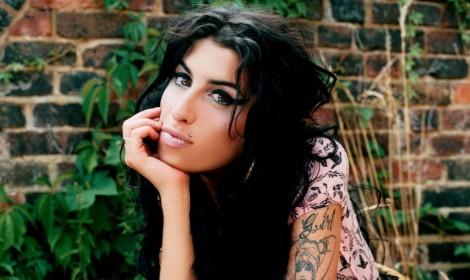 Amy Winehouse -Reg Traviss