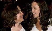 Angelina Jolie pense toujours Marcheline Bertrand
