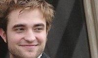 Robert Pattinson fans Christina Ricci