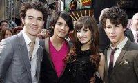 Jonas Brothers Snobent-ils Demi Lovato