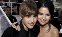 Justin Bieber et Selena Gomez tapent dans l'œil de Rebecca Black