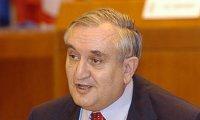 Jean-Pierre Raffarin entarte