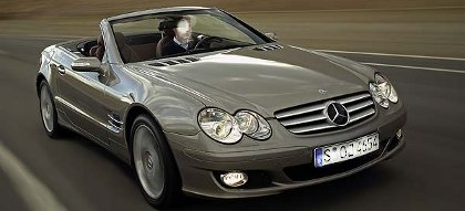 miley cyrus s 39 offre une mercedes sl550. Black Bedroom Furniture Sets. Home Design Ideas