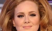Adele deprime Rihanna