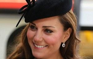 Kate Middleton Elisabeth II lui fait payer sa popularite