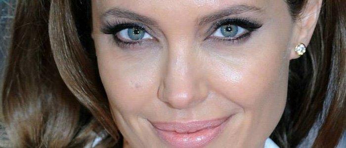 Angelina Jolie trompe Brad Pitt avec Jared Leto