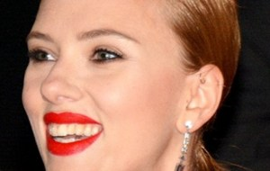 Scarlett Johansson quitte la France avec Romain Dauriac