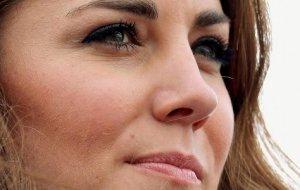 Kate Middleton et Elisabeth II guerre insidieuse en coulisse