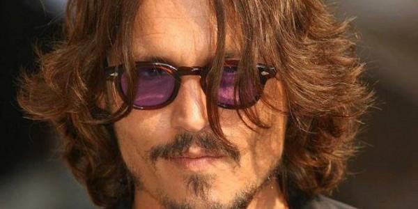Johnny Depp et  Angelina Jolie «se cachent» aux Bahamas