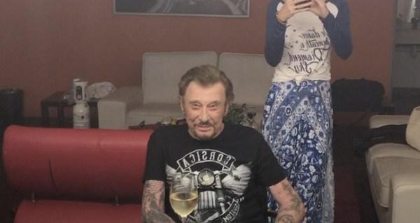 Johnny Hallyday hospitalisé d'urgence pour une détresse respiratoire