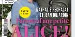 Jean Dujardin, Nathalie Péchalat, parents d'une petite Alice, née à Neuilly