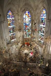 Installation dans la chapelle du château