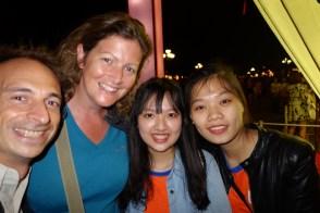 Vietnamiennes qui apprennent l'anglais