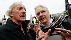 Le procès stalinien de Julian Assange — John PILGER