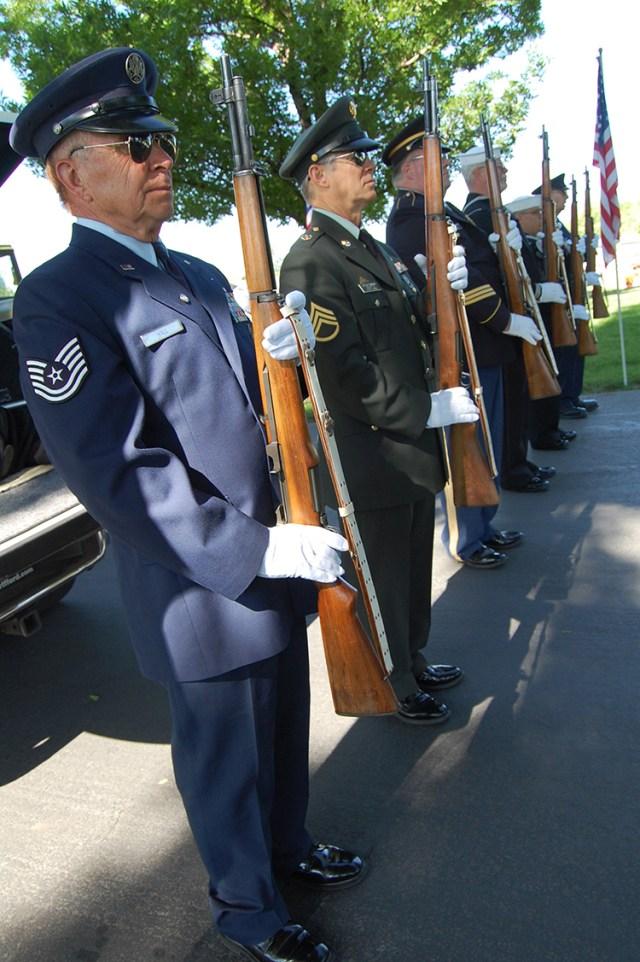 Veterans' Color Guard. Photo: Cavett Ishihara