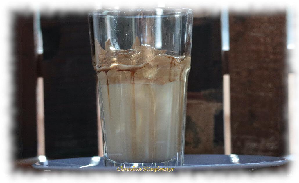 Dalgona Kaffee – das Trendgetränk für den Sommer 2020