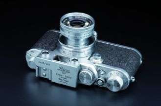Leica camera with built-in bright-line viewfinder, predecessor to the Leica IIIg, approx. 1953