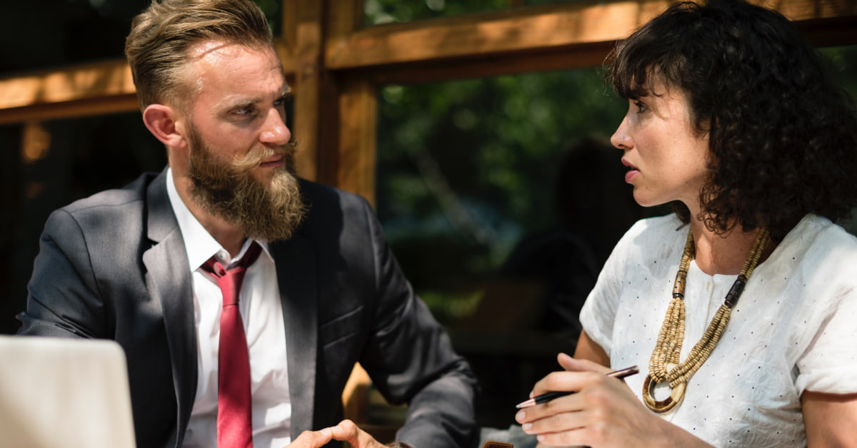 Hoe begin je een gesprek positief (en hoe niet)