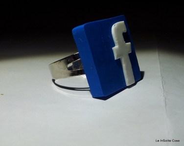 2013 - Anello Facebook freak - www.leinsolitecose.com (2)