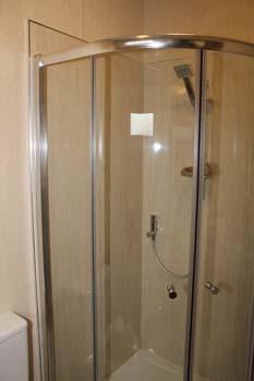 Pemberton Glendale Static Caravan Shower