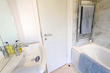HC Pathfinder - Bathroom