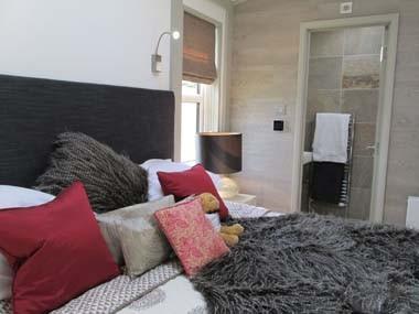 Summit Bed & Shower