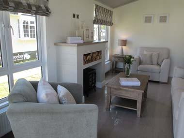 Venti Lounge Fireplace