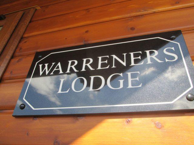 Tingdene Warreners sign