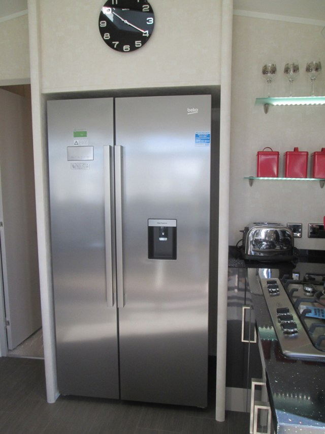 Carnaby Envoy integreated fridge and freezer