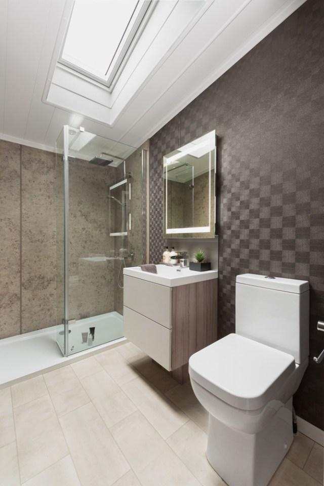 Swift Whistler Lodge Family Shower Room Wide