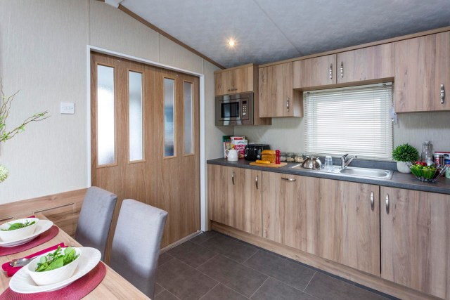 Pemberton Regent Kitchen & Sliding Doors