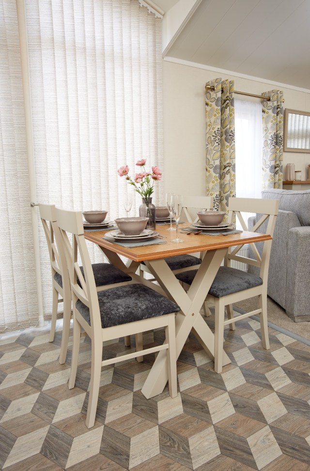 Atlas Azalea Dining Table & Chairs