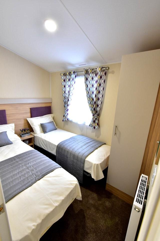 Willerby Linwood twin bedroom