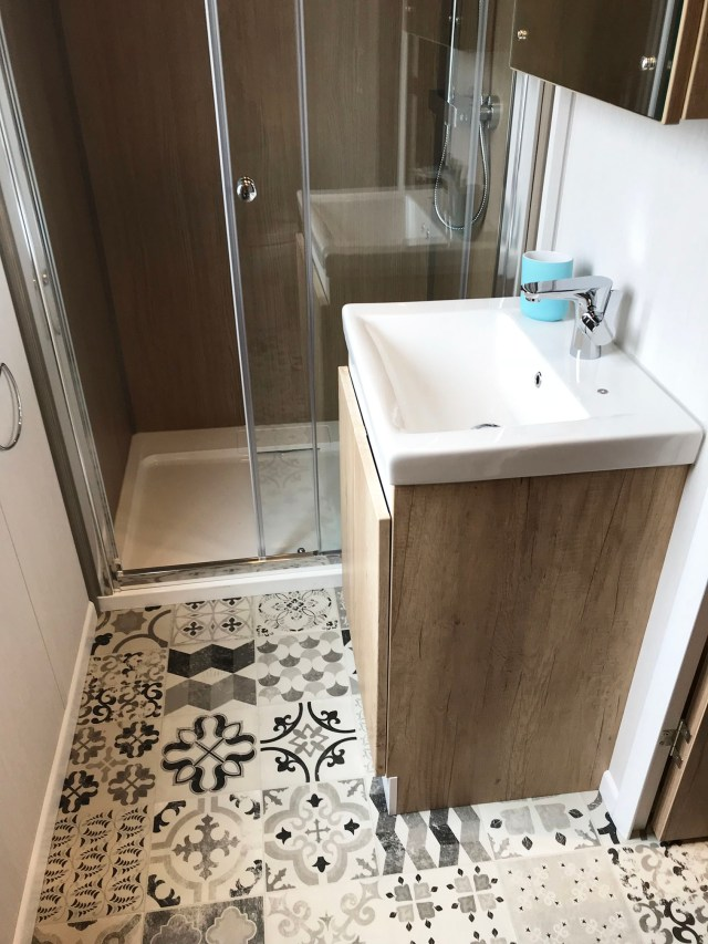 2019 Swift S-Pod 6 washroom