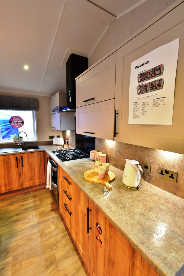 2019 Willerby Waverley lodge kitchen
