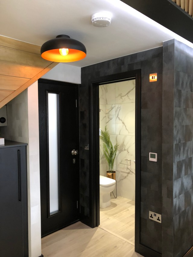 2020 Tingdene Quantum lodge downstairs loo