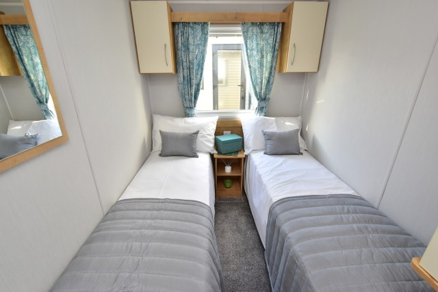 2020 Willerby Ashurst twin bedroom