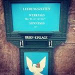 Über Brief-Einlagen und Kehrplätze – was in Basel anders ist als in Berlin