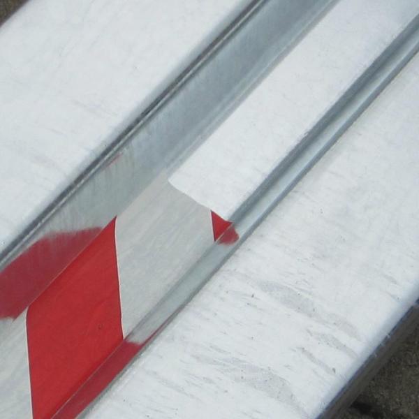 Leitplanke Profil B mit Warnband