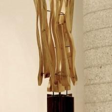 Cabiró de fusta i perfil metàl·lic de rebuig 26 x 26 x 79 cm