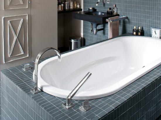 tabliers et coffrages pour la baignoire