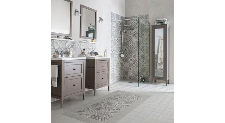 carreaux de ciment dans la salle de bains