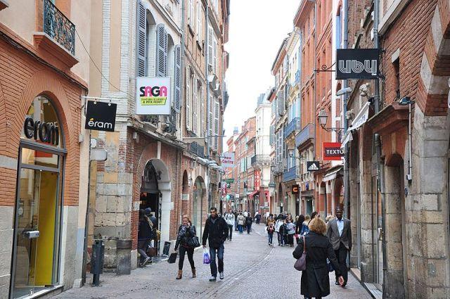Rue Saint-Rome Toulouse France magasin