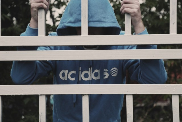 barreaux prison mineurs