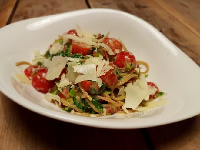 Spaghetti met prei en spinazie