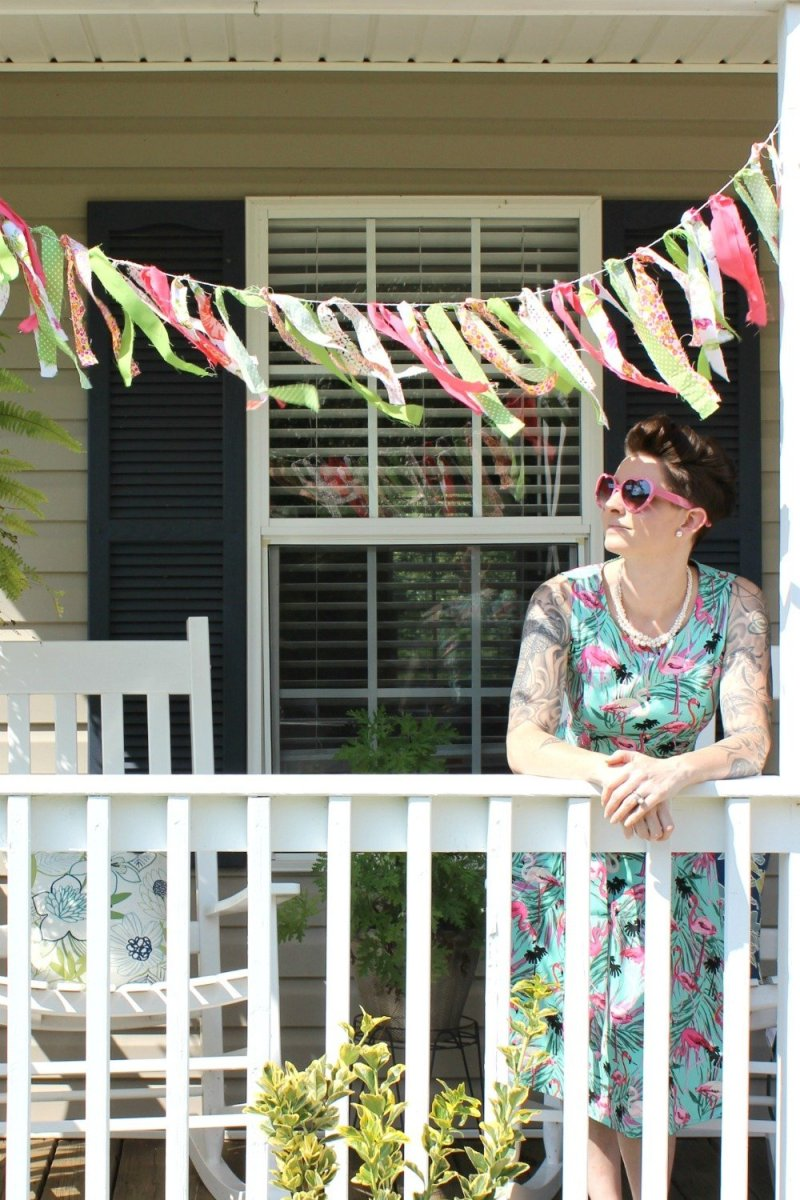 brightly colored summer decor. Lela Burris In the New House Designs