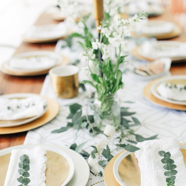 easy holiday hosting tips