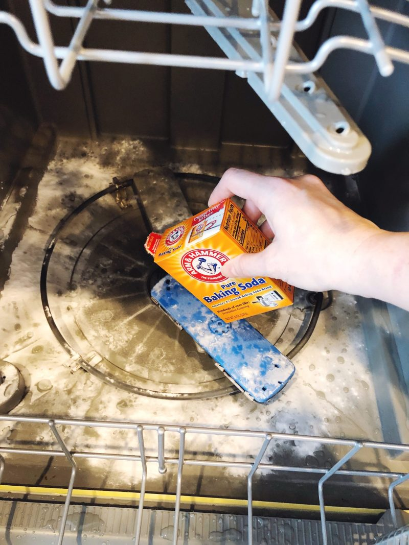 clean dishwasher fast and easy
