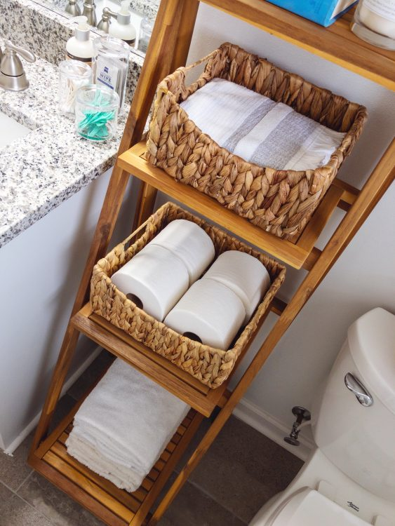 guest bathroom tips